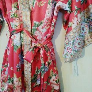 Oscar De La Renta Festive Blooms Robe & Slip Set